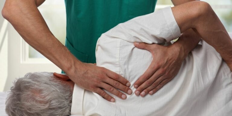 back treatment chiropractor